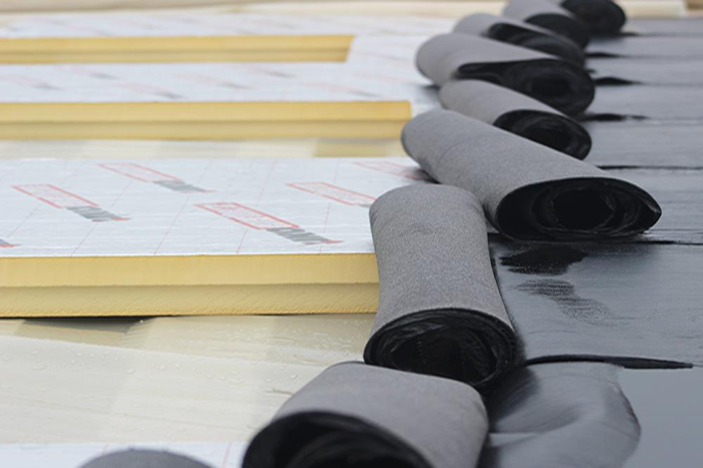 IKO dakproducten | PIR isolatie en bitumen dakrollen voor elk dak!